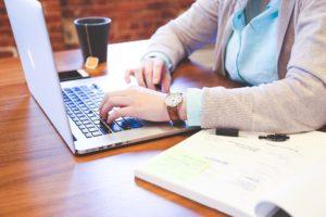 Online Beratung in der Psychotherapie mittels ZOOM Videokonferenz,für Ängste, Zwänge, Schmerzen, Grübeln, egal an welchem Ort.